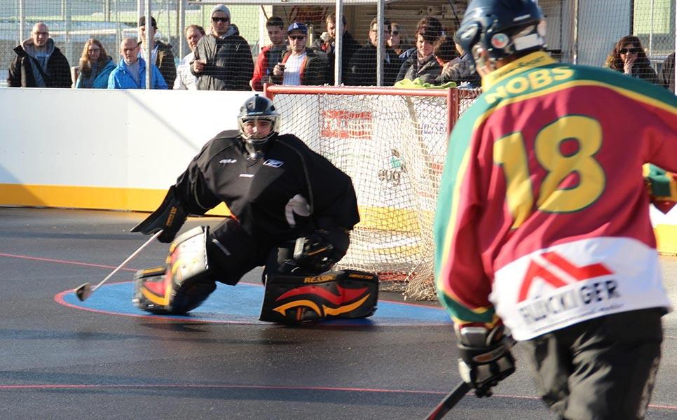 Roller hockey goaltending tips for first-time